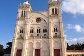 Façade_de_la_cathédrale_Saint-Louis_de_Carthage
